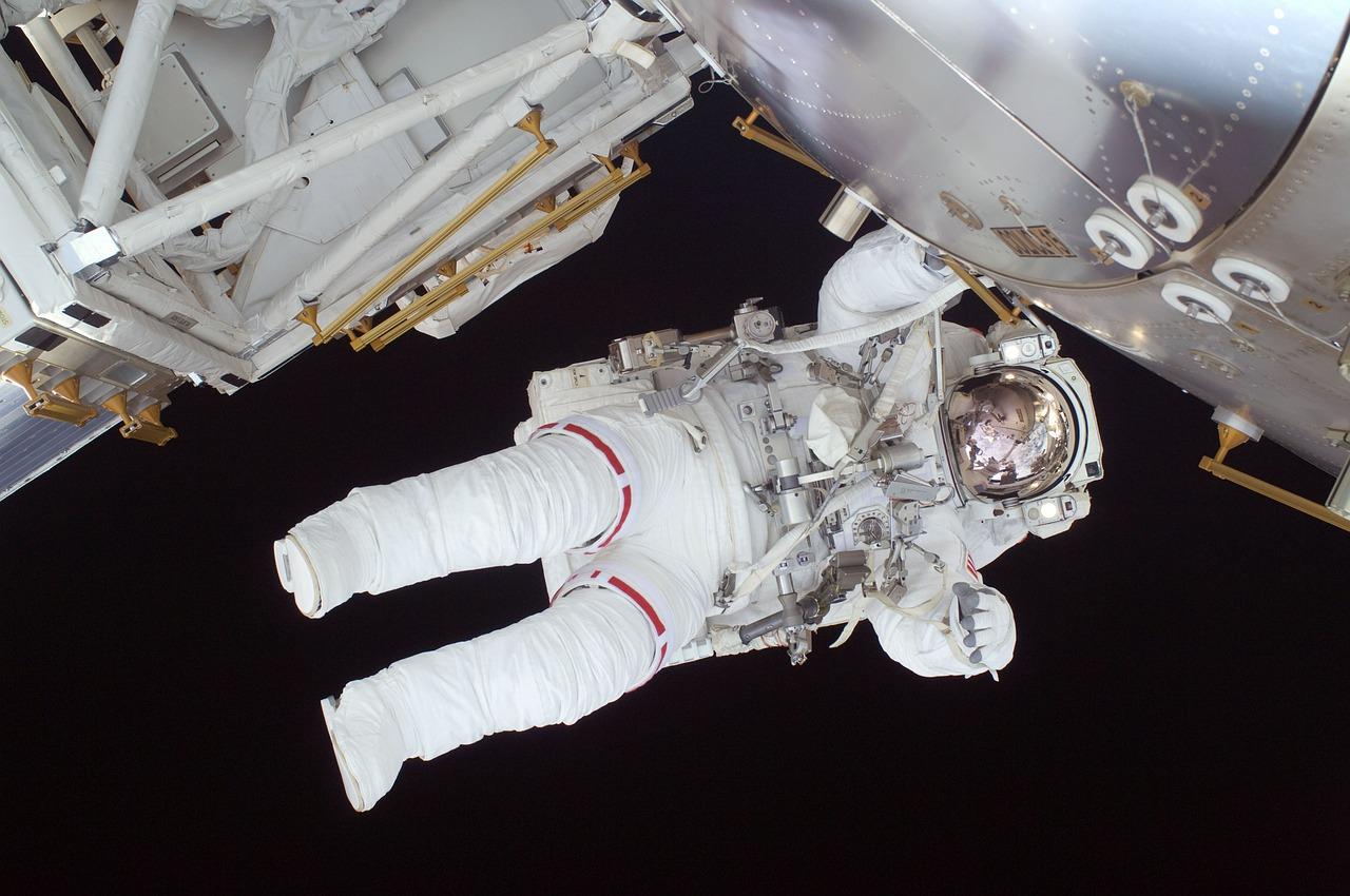 astronaut-602759_1280