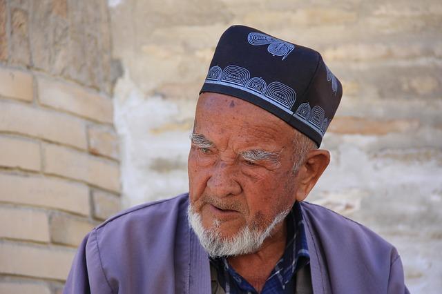 elderly-999529_640