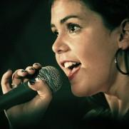 singer-1047531_640