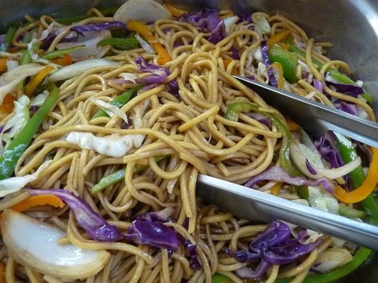 chicken-chow-mein-1247348_640